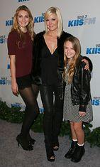 Jennie Garth ja kaksi kolmesta tyttärestä; Luca Bella Facinelli ja Lola Ray Facinelli.
