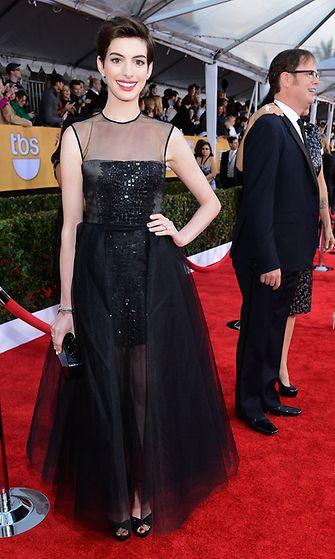 2013: Anne Hathaway Anne Hathaway Screen Actors Guild Awards -gaalassa.
