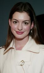 3.9.2003: Anne Hathaway Party Monster -elokuvan ensi-illassa.