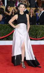 Julianna Margulies Screen Actors Guild Awards -gaalassa 2013.