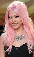 Hiukset värjätään nyt uskaliailla karkkisävyillä – tällainen on My Little Pony -värjäys ...