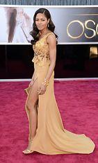 Bond-tyttö Naomie Harris Oscar-gaalassa 2013.