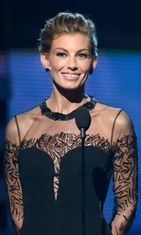 10.2.2013: Faith Hill Grammy-gaalassa.