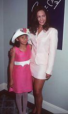 Jennifer Lopez ja Rebecca Lee Meza, 1996