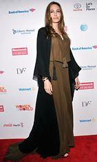 4.4.2013: Angelina Jolie Women in the World -tapahtumassa.
