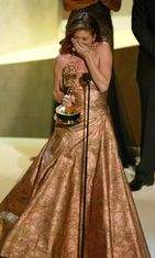 Debra voitti Emmyn. Best Lead Actress in a Comedy, 55th Annual Primetime Emmy Awards, 2003