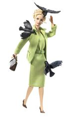 2008: Kunnianosoituksena elokuvaohjaaja Alfred Hitchcockille tehty Linnut-nukke.