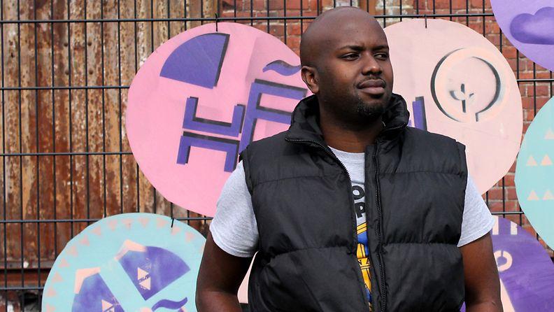 Nairobi Half Life -elokuvan ohjaaja Tosh Gitonga