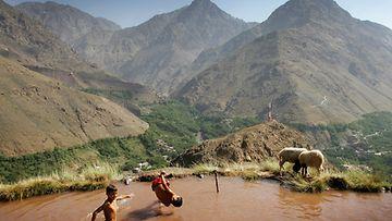 Berberi-pojat uivat Marokossa, 2007.