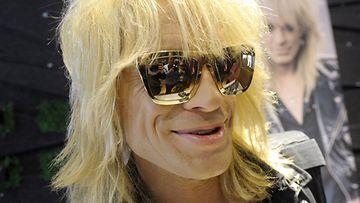 Pitkän linjan rockmuusikko Michael Monroe oli esittelemässä Kalevala Korun kanssa tehtyjä A Star All Heart -korusarjan koruja lanseeraustilaisuudessa Helsingissä tiistaina 9. huhtikuuta 2013.
