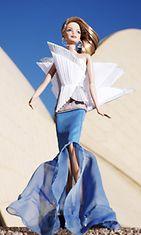 2011: Barbie kunnioittaa Sydneyn oopperataloa suunnittelija Alex Perryn luomassa asussa. Samasta Barbie-sarjasta löytyvät muun muassa kunnianosoitukset Eiffel-tornille ja Vapaudenpatsaalle.
