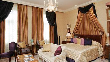 Hotelli Kämpin Mannerheim-sviitti kuvattuna Helsingissä 10. elokuuta 2006.