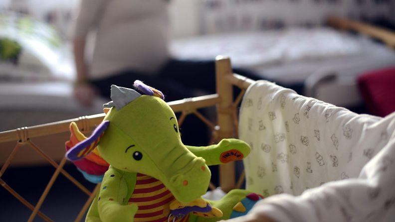 Raskaana oleva äiti ensikoti  Helmiinassa  Espoossa 30. lokakuuta 2013.