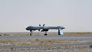 Yhdysvaltain ilmavoimien Predator-kone Kandaharin sotilaskentällä Afganistanissa 13. kesäkuuta 2010.