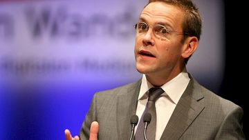 James Murdoch kertoi News of the Worldin lakkauttamisesta.