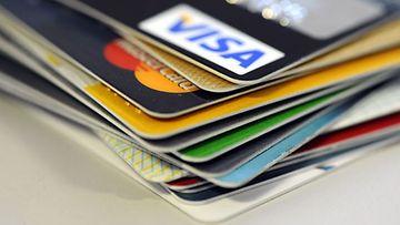 Poliisi otti kiinni maksukortteja kopioineen ryhmän.