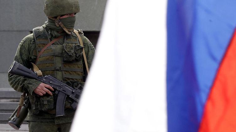 Ven�j�n puolustusministeri l�hett�isi lis�� joukkoja Krimille