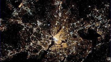 Astronautti Chris Hadfield lisäsi Twitteriin tämän kuvan Washington DC:stä Barack Obaman virkaanastujaisten aikaan.
