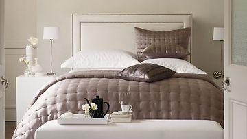 Makuuhuoneseen voi hankkia luxusta. Kuva: The White Company.