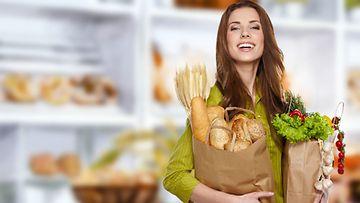 Et joudu heittämään ruokaa pois, jos tiedät, mitä ruokia voit vielä käyttää parasta ennen -päiväyksen umpeuduttua.