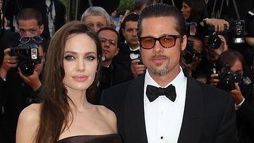 Angelina Jolien h��lahja Brad Pittille paljastui