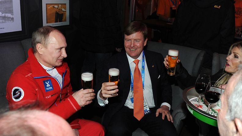 Hollannin kuningaspari viihtyi Putinin seurassa.