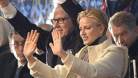 Monacon ruhtinaspari Sotshin avajaisissa, taustalla Sauli Niinistö.