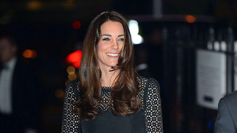 Catherine edusti ilman miestään prinssi Williamia.