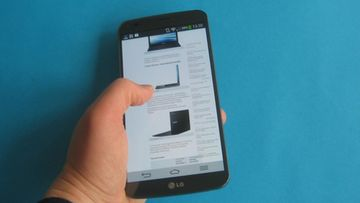 LG G Flex -kaarevalla näytöllä varustettu Android-puhelin