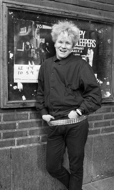 Olli Lindholm Nuorena