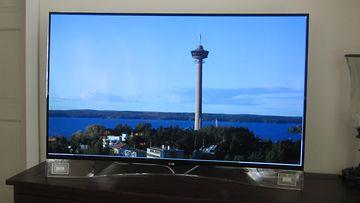 LG kaareva OLED televisio