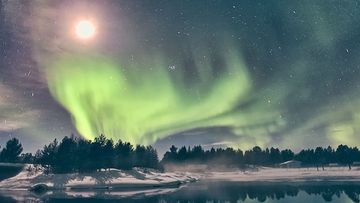 aurora-full moon_8417
