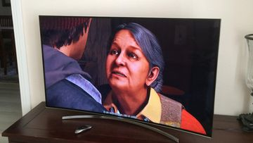 Samsung kaareva televisio UE55H8005 (1)