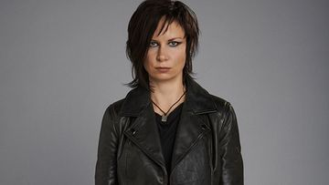 24 Mary Lynn Rajskub