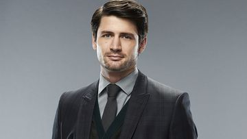 Uhka - Mr. Nash (James Lafferty)