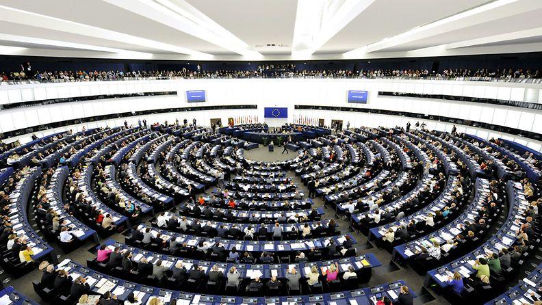 Eurooppavaaleilla kesäkuussa valittu EU-parlamentti kokoontui ensimmäiseen täysistuntoon Strasbourgissa Ranskassa 14. heinäkuuta 2009.