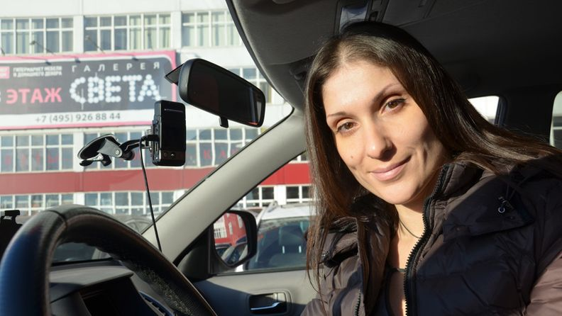 Moskovalainen Anna Ahmetshina pystyi osoittamaan syyttömyytensä onnettomuustilanteessa autovideokameratallenteen ansiosta.
