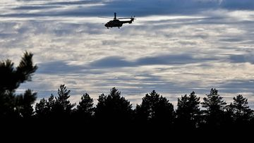 Helikopteri etsii lentokoneturman uhreja Jämijärvellä.