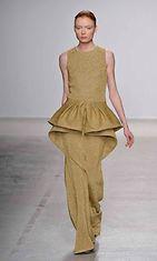 Amaya Arzuaga Womenswear Fall Winter 2014 Paris Fashion Week