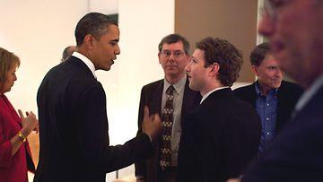 Yhdysvaltain presidentti Barack Obama tapasi Facebookin perustajan Mark Zuckerbergin Kaliforniassa 17.2.2011. Kuva: EPA