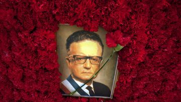 View of a wreath with the image of the late Chilean President Salvador Allende during the commemoration of the 36th anniversary of the coup d' état lead by Augusto Pinochet that overthrew him, Santiago, Chile, 11 September 2009.