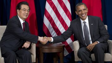 United States President Barack Obama (R) meets with Chinese President Hu Jintao (L) during the Asia-Pacific Economic Cooperation (APEC) meeting in Honolulu, Hawaii, USA, 12 November 2011. EPA/Kent Nishimura / POOL