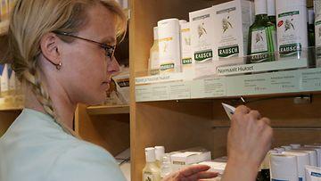 Homeopaattiset lääkkeet valmistetaan kasveista, eläinkunnasta ja mineraaleista peräisin olevista aineista laimentamalla ja ravistamalla.