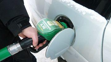 Uuten E10-bensiiniin siirrytään vuodenvaihteessa.