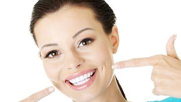 Voisiko hampaat saada näin valkoisiksi kotikikoilla?