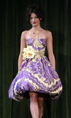 Betsey Johnsonin mallistoa 2004