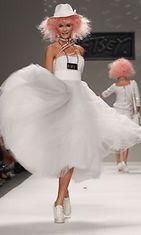 Betsey Johnsonin mallistoa 2013