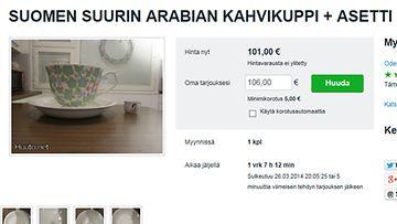 Kuvakaappaus Huuto.net -sivulta. Liekö tämä Suomen suurin Arabiakuppi?