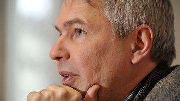 Vihreiden kansanedustaja Pekka Haavisto Vihreiden puoluevaltuuskunnan kokouksessa Iisalmessa 26. helmikuuta 2011.