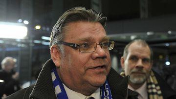 Timo Soini presidentinvaalien kampanjapäällikkönsä Jukka Jusulan kanssa.